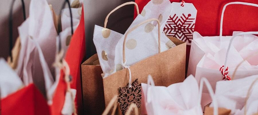 Holiday shopping on a tight budget – yes, it's possible